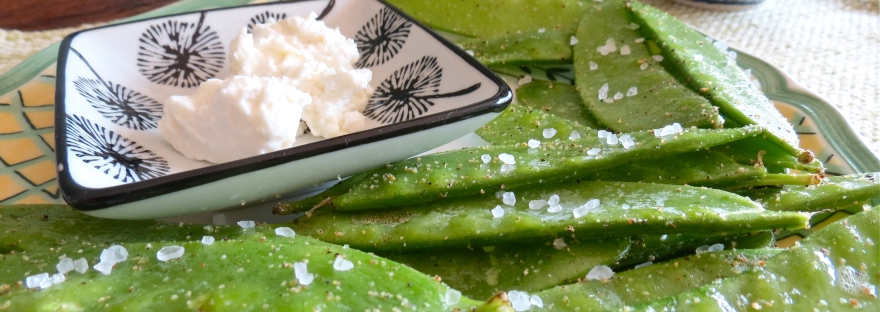 healthy snacks snap peas and almond cheese